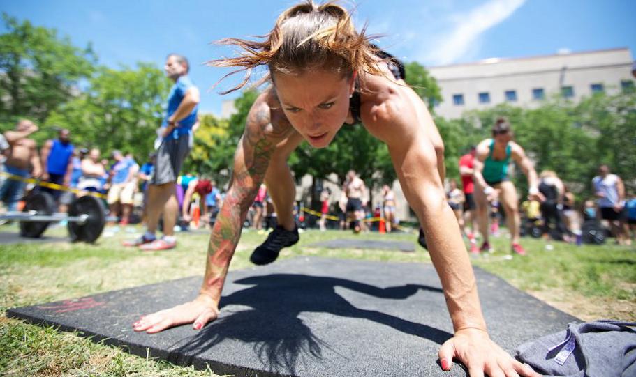Gag per dimagrire: esercizi per dimagrire e tonificare gambe addome