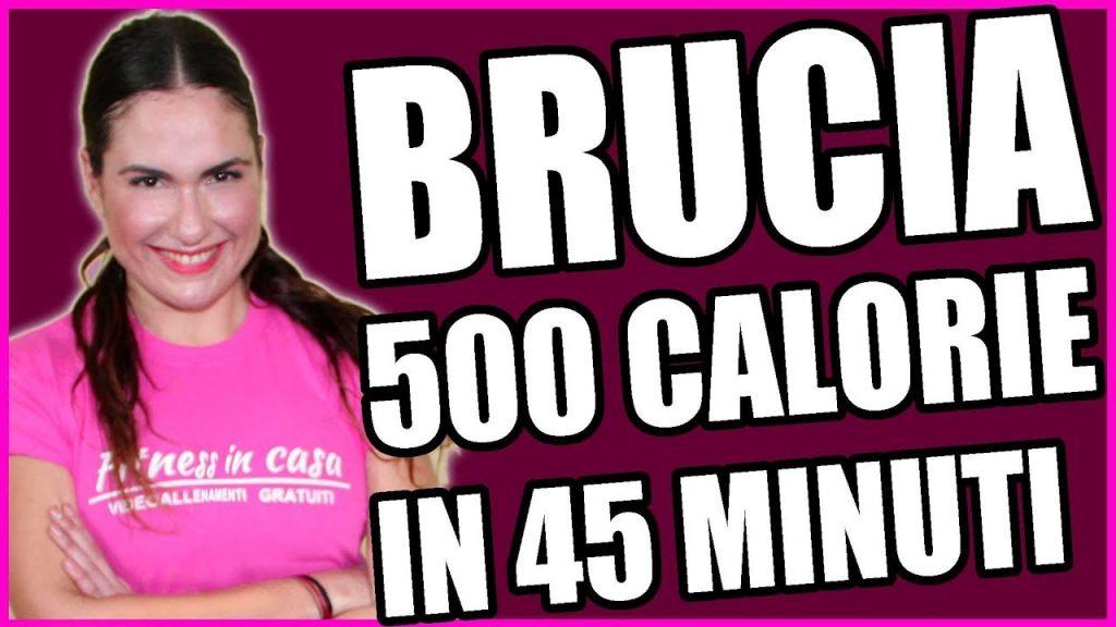 Brucia 500 calorie con un allenamento a circuito da fare a - Allenamento kick boxing a casa ...